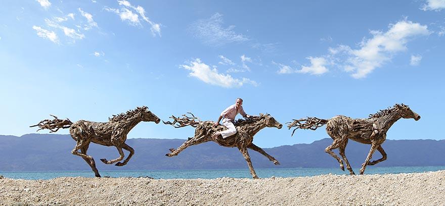 galloping-driftwood-horse-sculptures-jame-doran-webb-7