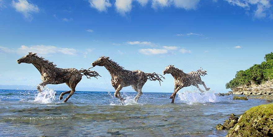 galloping-driftwood-horse-sculptures-jame-doran-webb-8