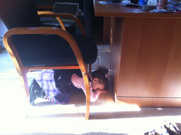 hide-and-seek-funny-kids-5