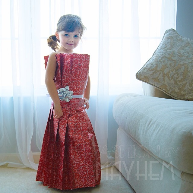 4-year-old-girl-paper-dresses-2sisters-angie-mayhem-6