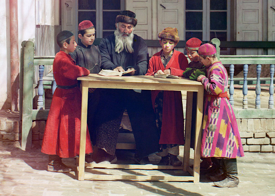 colored-vintage-photos-russia-25