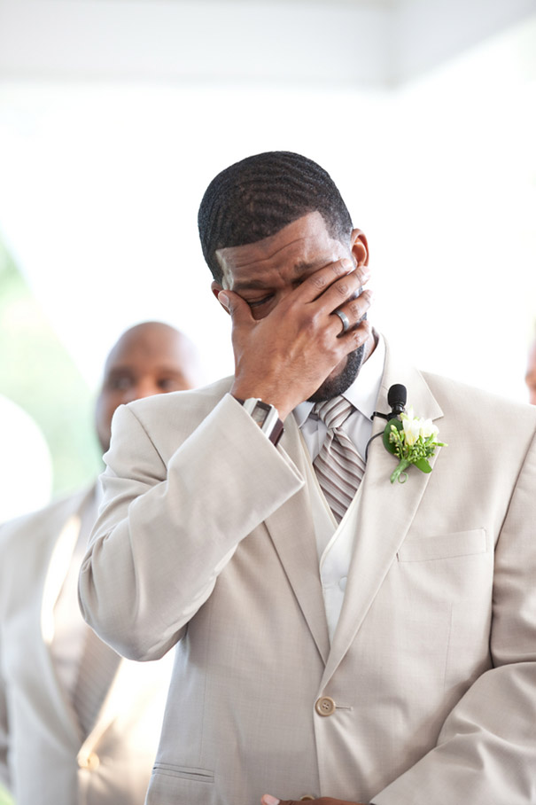 grooms-crying-wedding-photography-11
