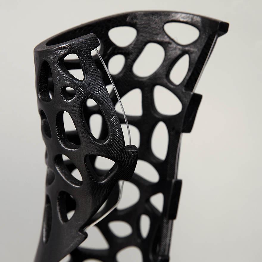 osteoid-3d-printed-cast-deniz-karasahian-5