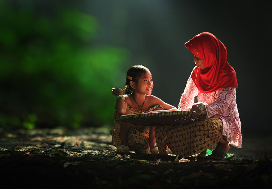 village-life-indonesia-herman-damar-10