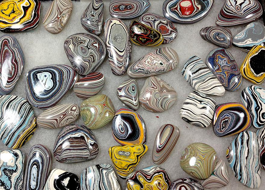 fordite-detroit-agate-car-paint-stone-jewel-7