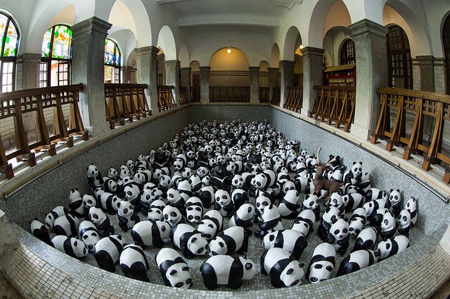 paper-mache-panda-tour-paulo-grangeon-9