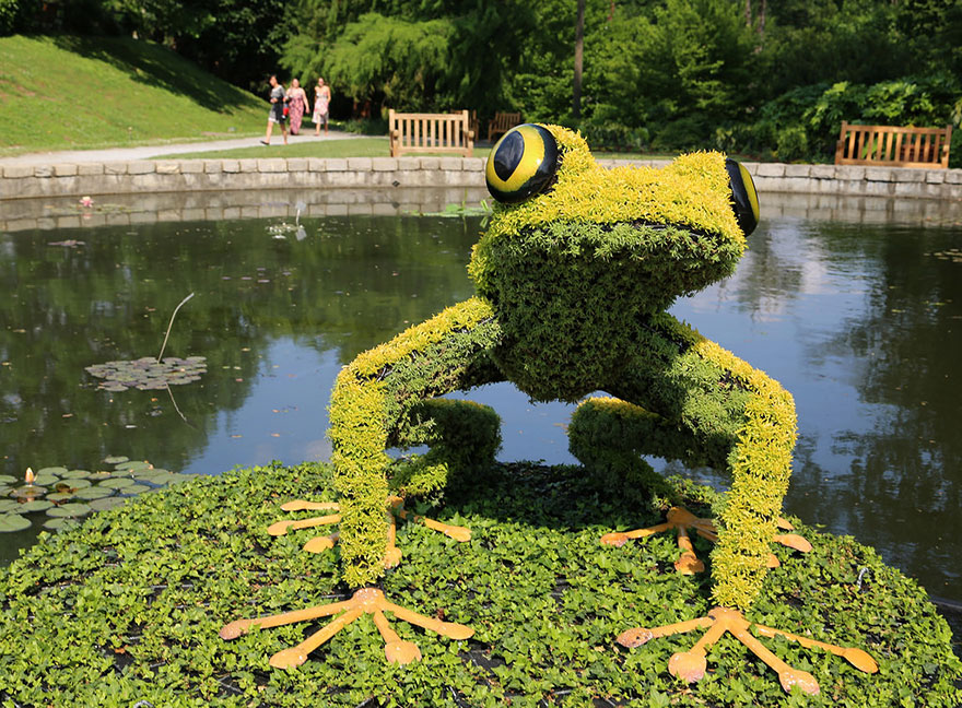 plant-sculptures-imaginary-worlds-atlanta-botanical-garden-11