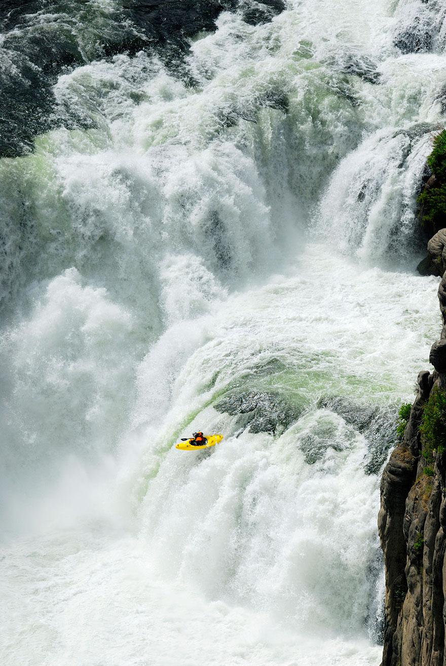 ...hãy những dòng thác chảy xiết