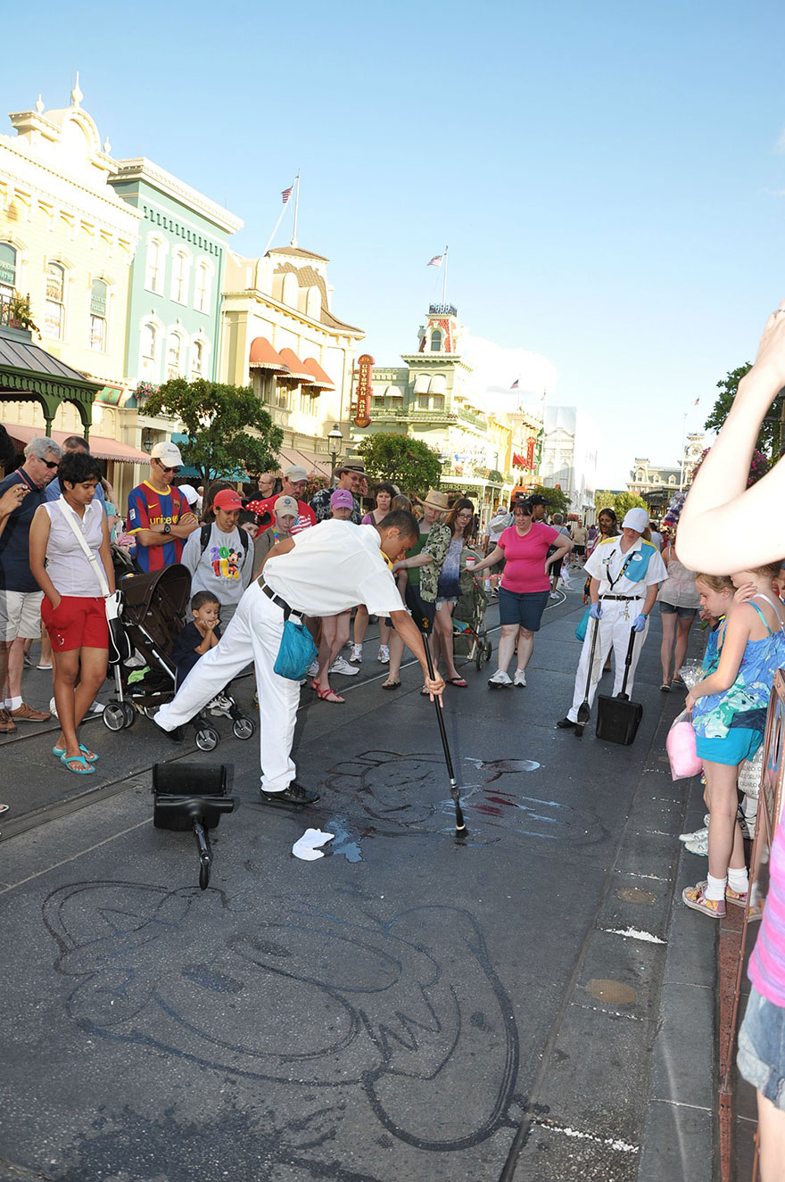water-art-janitor-disney-world-characters-3
