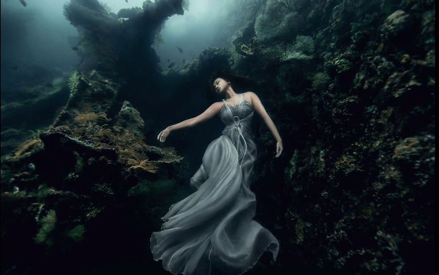 bali-shipwreck-divers-underwater-photoshoot-benjamin-von-wong-10