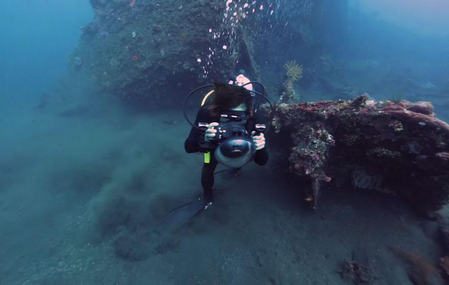 bali-shipwreck-divers-underwater-photoshoot-benjamin-von-wong-8