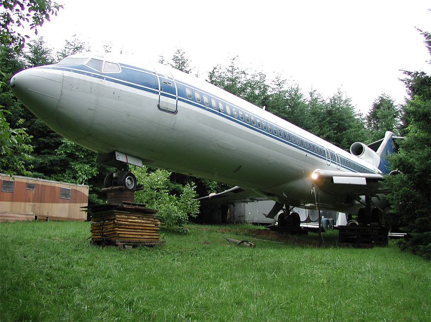 retired-boeing-727-recycled-home-bruce-campbell-18