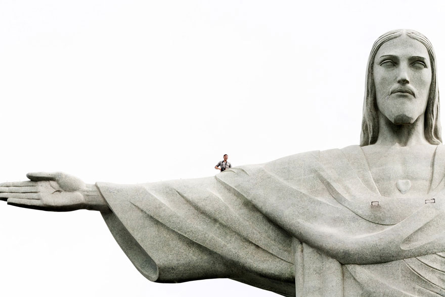 ultimate-selfie-brazil-christ-statue-rio-thompson-3