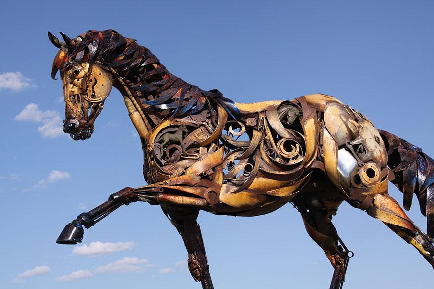 -chatarra soldada de metal-esculturas-john-lopez-14