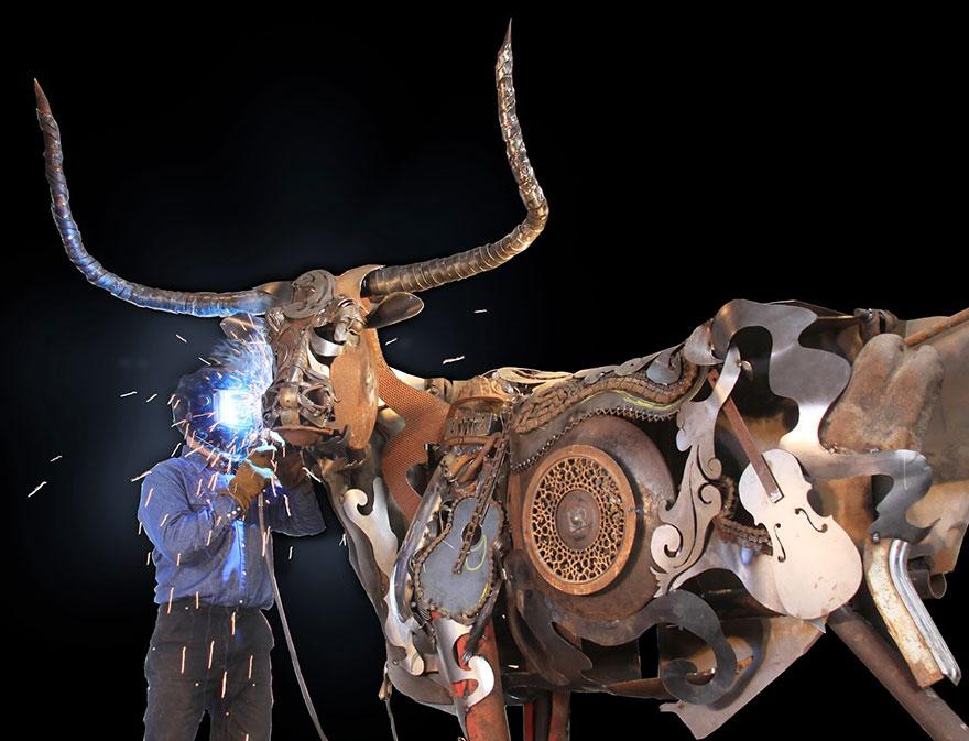 welded-scrap-metal-sculptures-john-lopez-4
