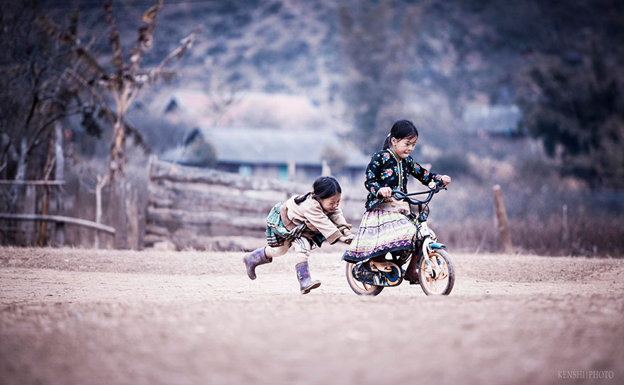 chidren-playing-around-the-world-51