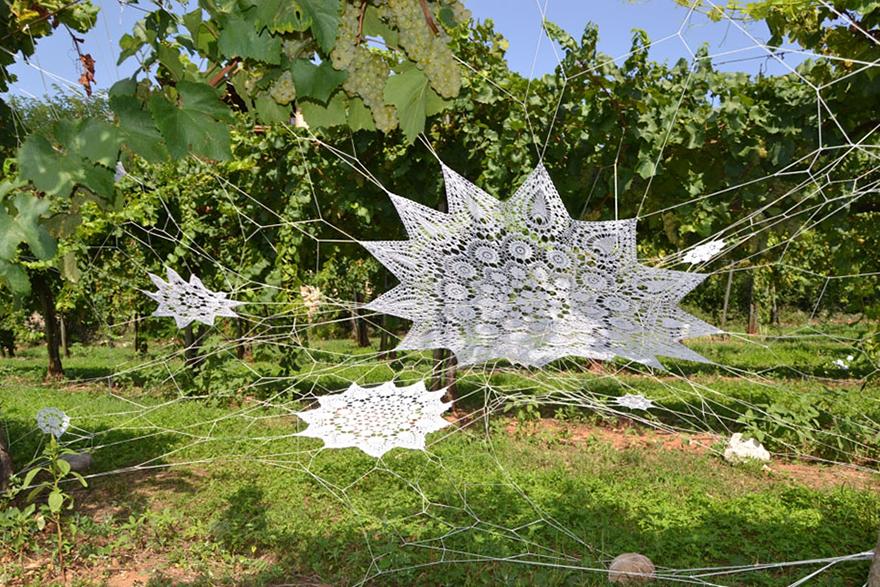 crochet-lace-street-art-nespoon-11