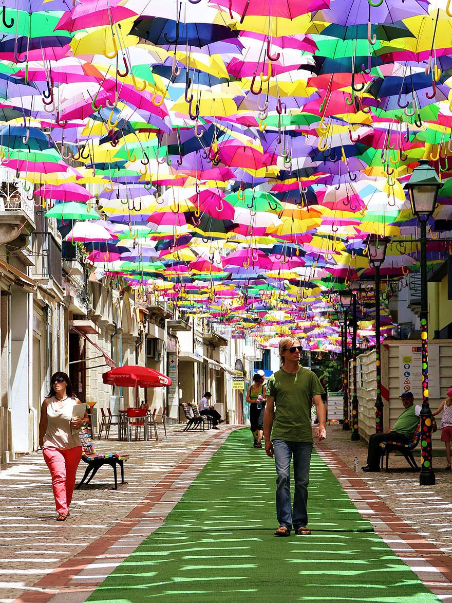floating-umbrellas-agueda-portugal-2014-4