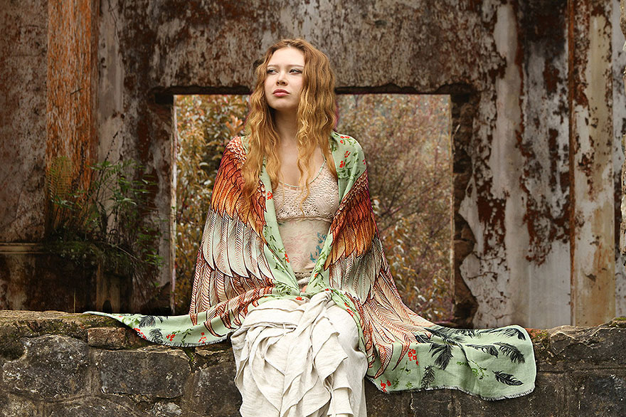 bird-scarves-wings-feather-fashion-design-shovava-13