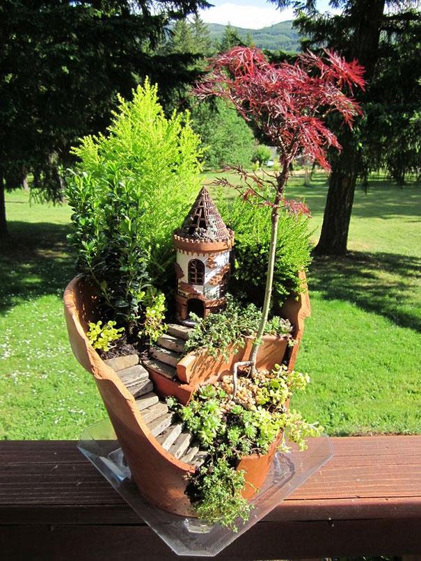 broken-pot-fairy-garden-24