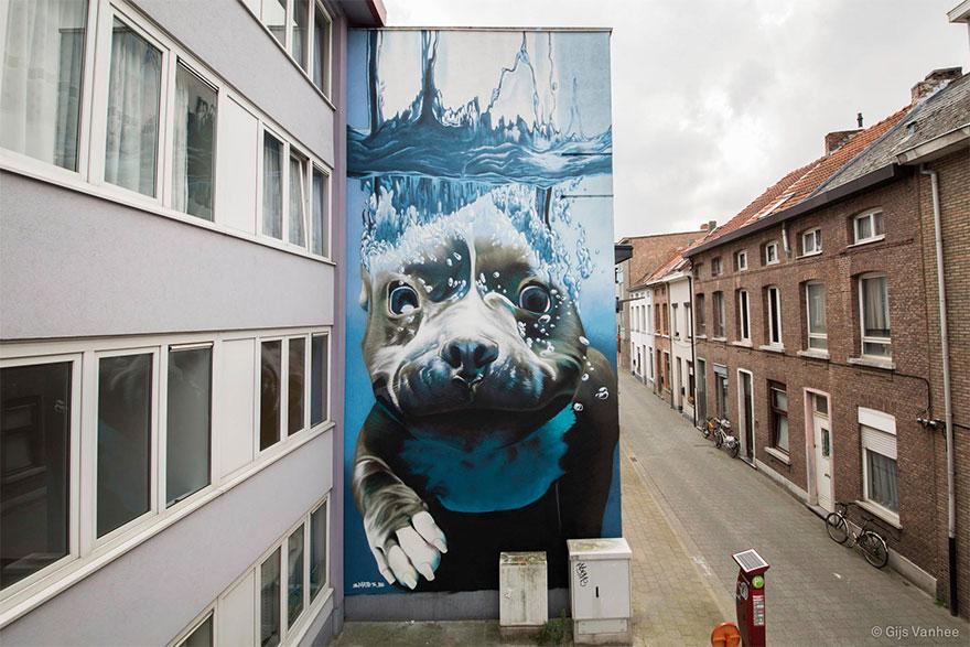diving-dog-street-art-mural-smates-bart-smeets-1
