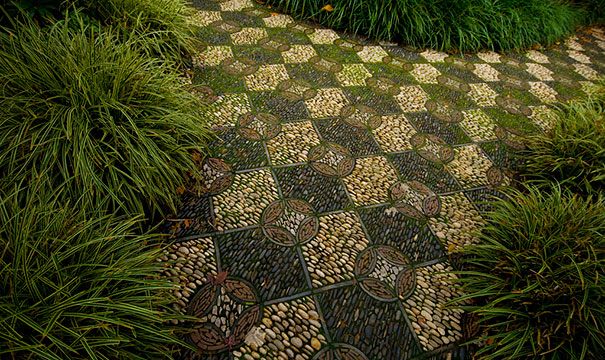 garden-pebble-stone-paths-4