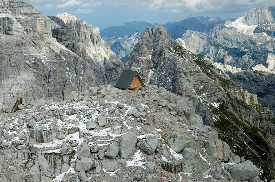 mountain-hut-house-10