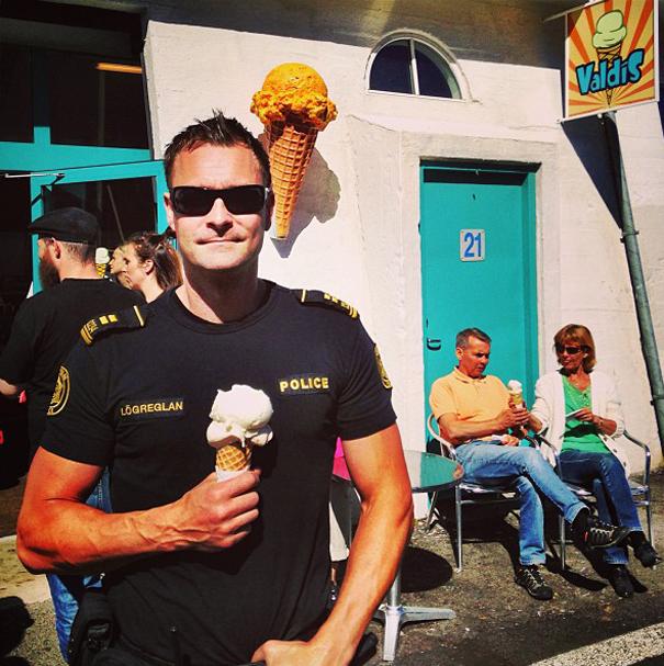 police-instagram-logreglan-reykjavik-iceland-1