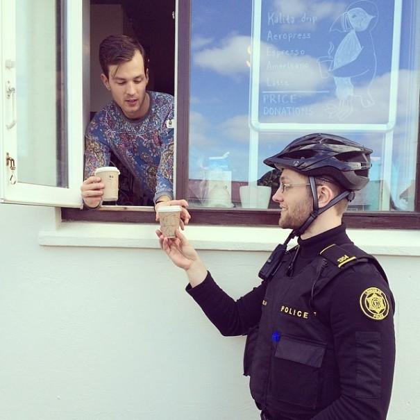 police-instagram-logreglan-reykjavik-iceland-17