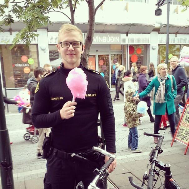 police-instagram-logreglan-reykjavik-iceland-6