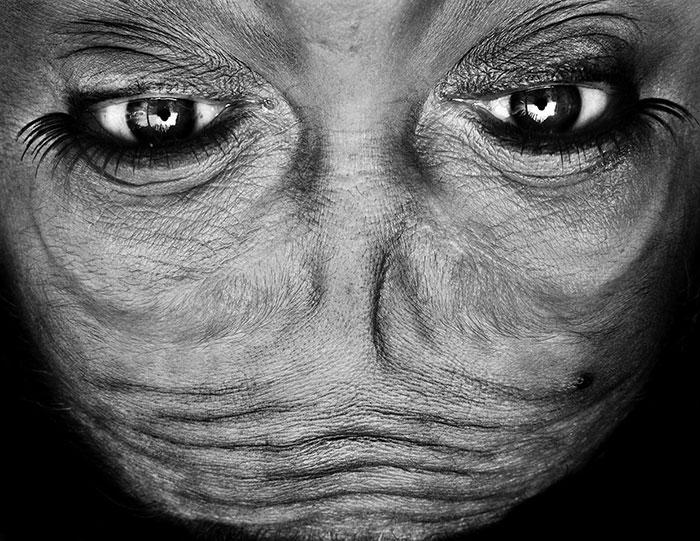 upside-down-portraits-alienation-anelia-loubser-2