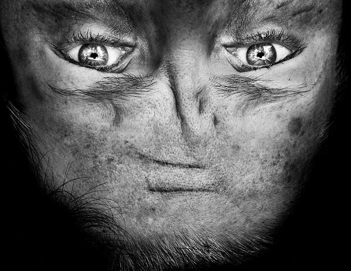 upside-down-portraits-alienation-anelia-loubser-3