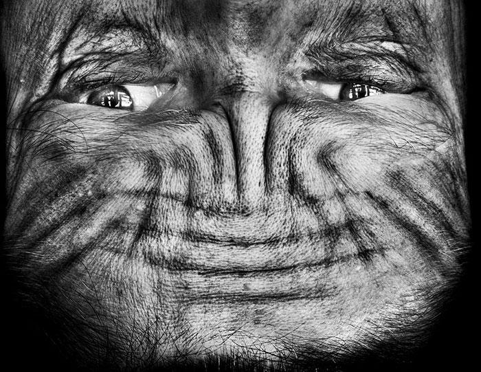 upside-down-portraits-alienation-anelia-loubser-8