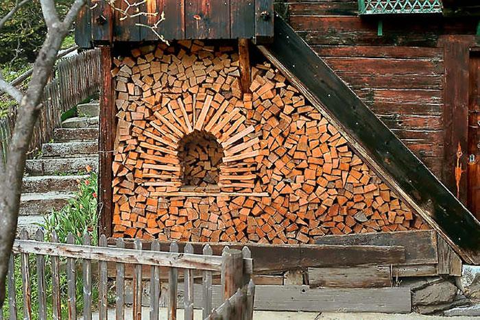 wood-pile-art-12