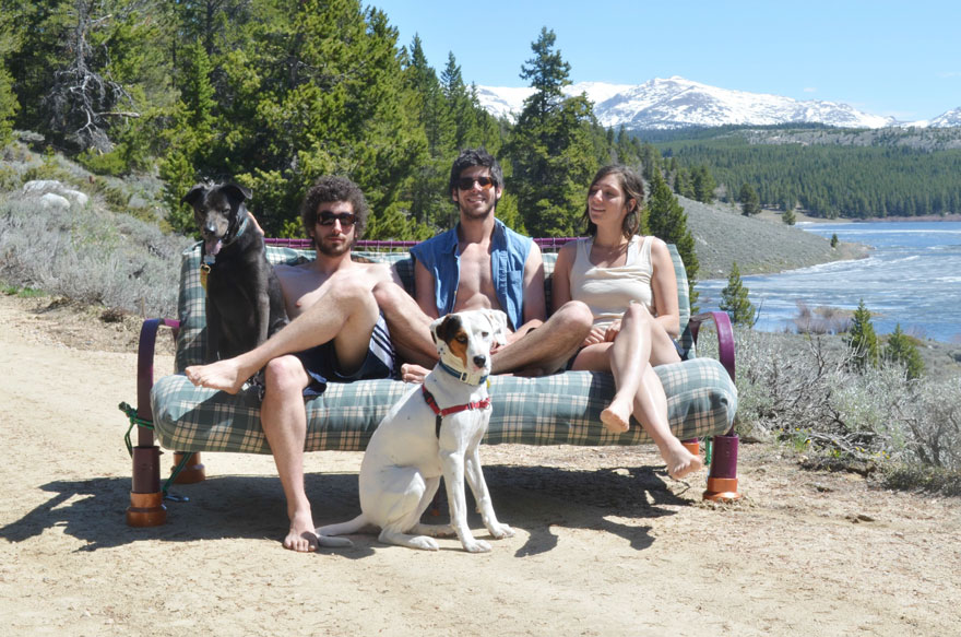 three-friends-two-dogs-one-futon-roadtrip-photos-14