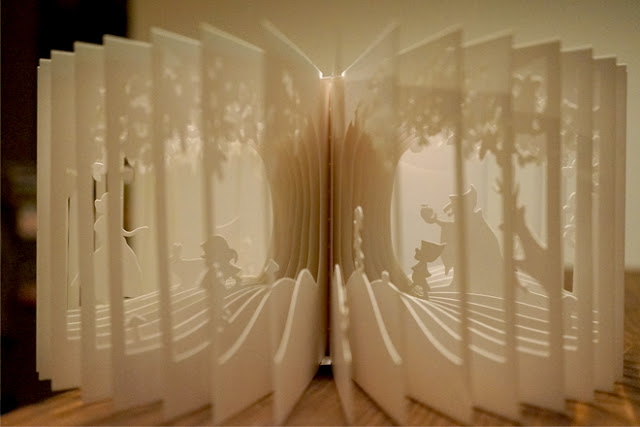 Intricate 360 Degree Christmas Book by Yusuke Oono