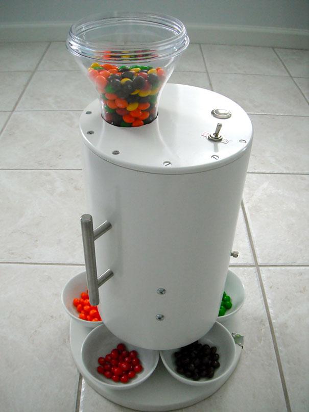 skittles-sorting-machine-1