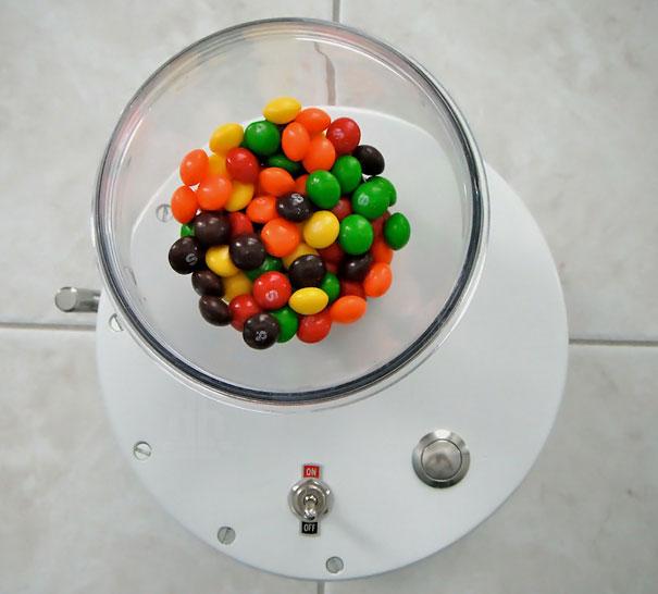 skittles-sorting-machine-2
