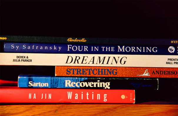 poetry-from-stacked-books-nina-katchadourian-11