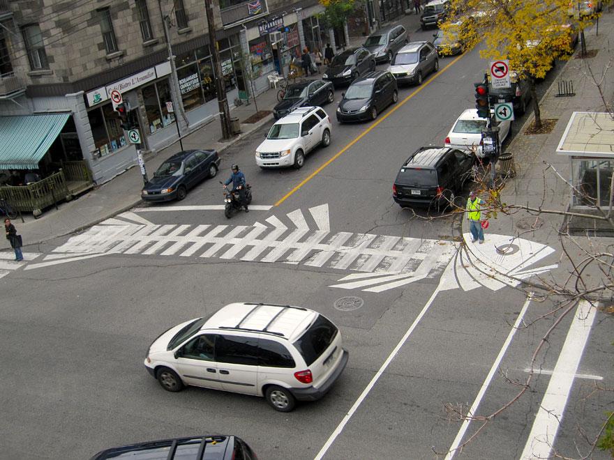 street-art-roadsworth-7