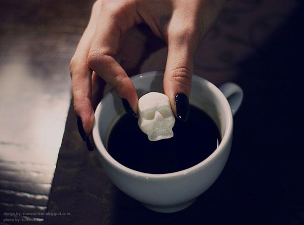 sugar-skulls-snow-violent-13
