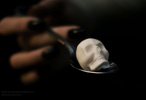 sugar-skulls-snow-violent-3