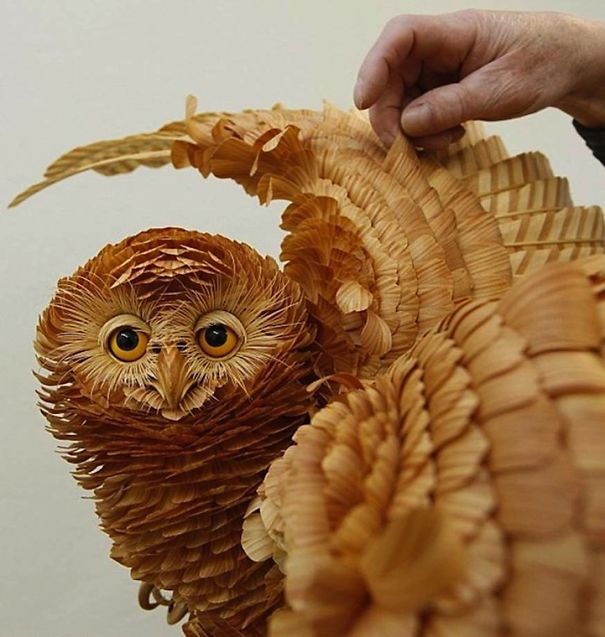 Russian Sculptor Creates Animals Out Of Wood Chips (11 pics)