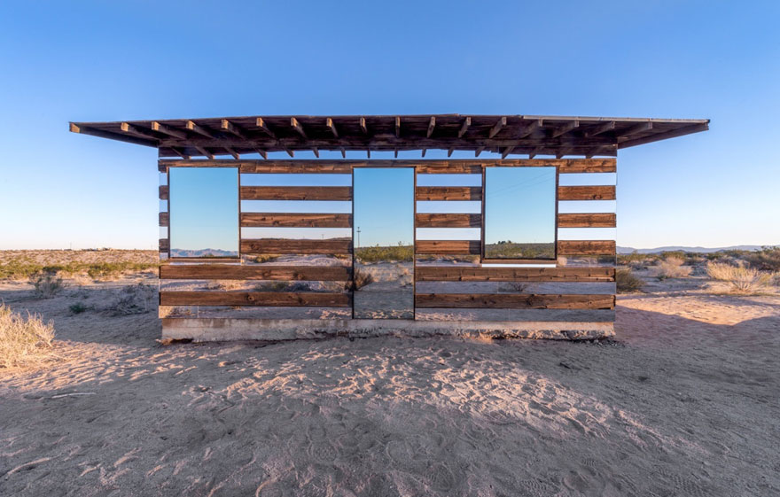 Artist Uses Mirrors To Create Seemingly Transparent Desert Cabin (9 pics)