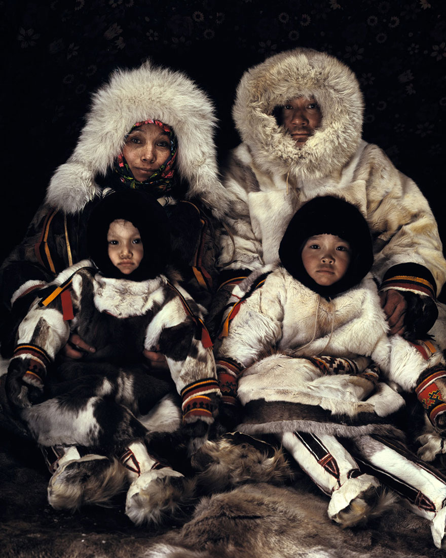 Amazing pictures of the disappearing tribe of Av