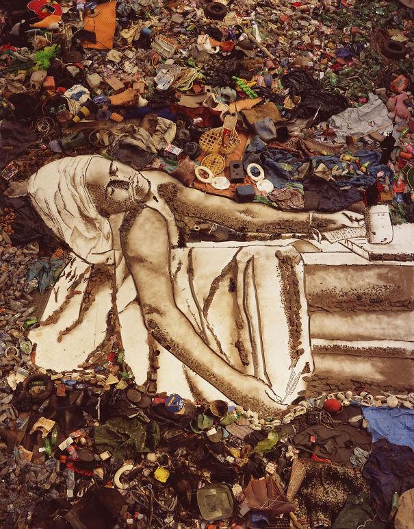 Artist Vik Muniz Turns Garbage Into Stunning Portraits