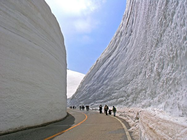 Amazing 20m (65ft) Tall Snow Corridor In Japanese Alps