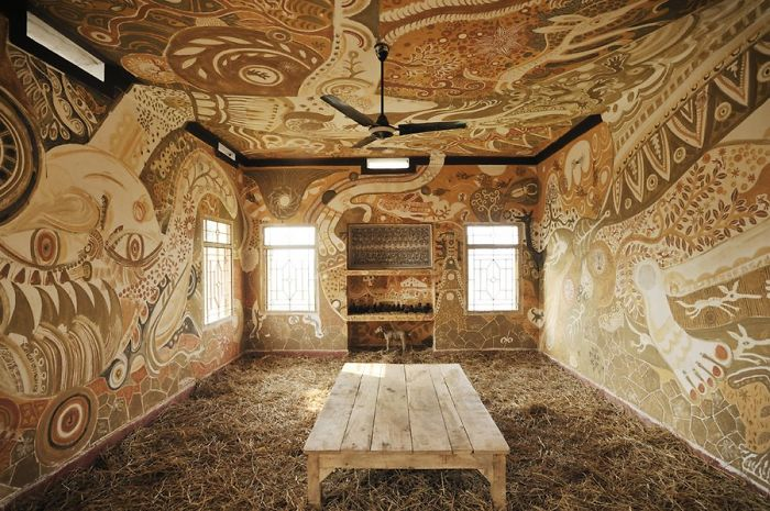 Artist Creates Intricate Mud Paintings On School Walls To Bring Art Into Villager Children's Lives