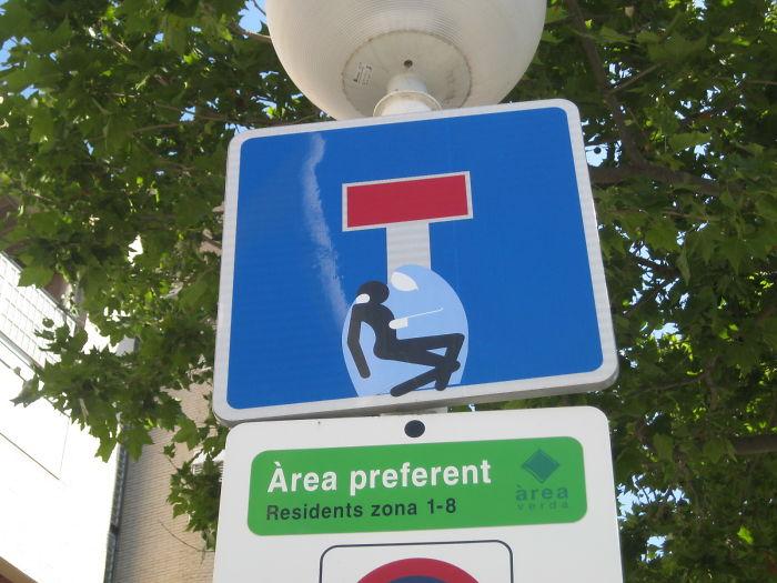 Street Sign Art By Abraham Clet – Barcelona
