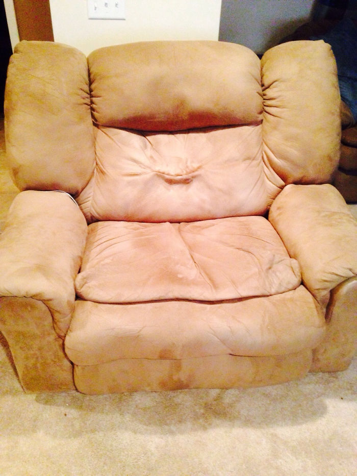 Kissy Armchair